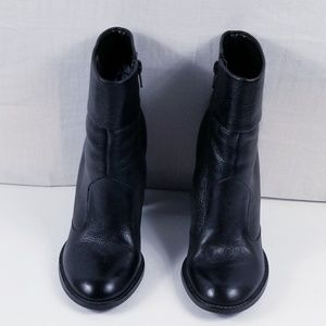 Gianni Bini black ankle booties block heel !